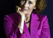 El  poder  de  las  agencias  de  comunicación  centra  la  nueva  novela  de  Julia  Navarro