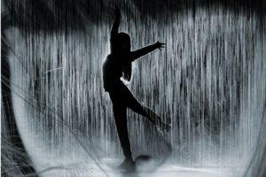 Lucia Echegaray 'Bailar bajo la tormenta' Presentación del libro. @ elkar aretoa Iruñea (Comedias 14)