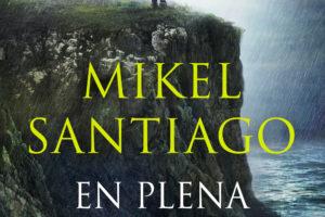 """Mikel Santiago """"En plena noche"""" PRESENTACIÓN DEL LIBRO @ elkar Donostia"""